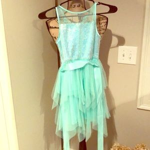 NWT turquoise girls party dress! Size 10. ❤️👗